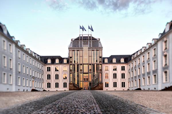 Saarbrücker Schloss im Abendrot