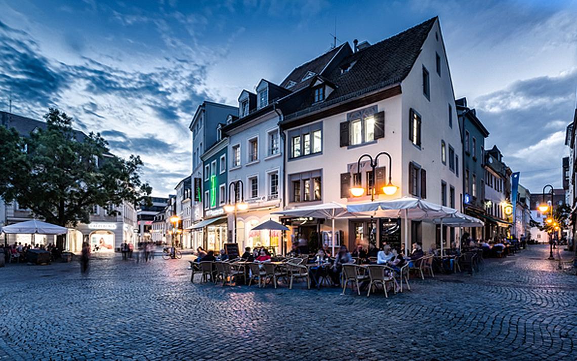 St. Johanner Markt in Saarbrücken  (Quelle: bildtankstelle.de)